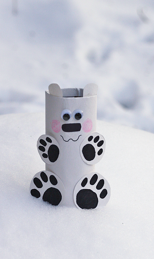 cardboard-tube-polar-bear-1