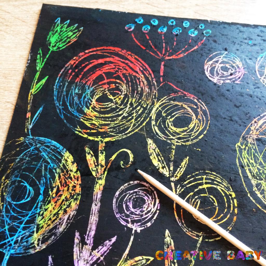 Цветочная поляна в технике граттаж