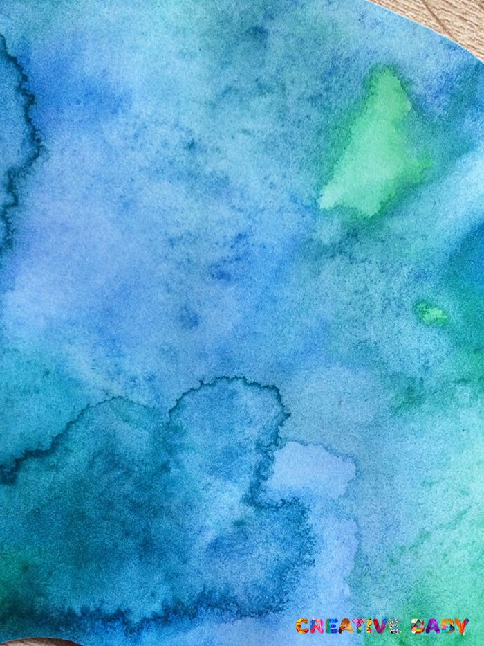 Слон из самодельной цветной бумаги